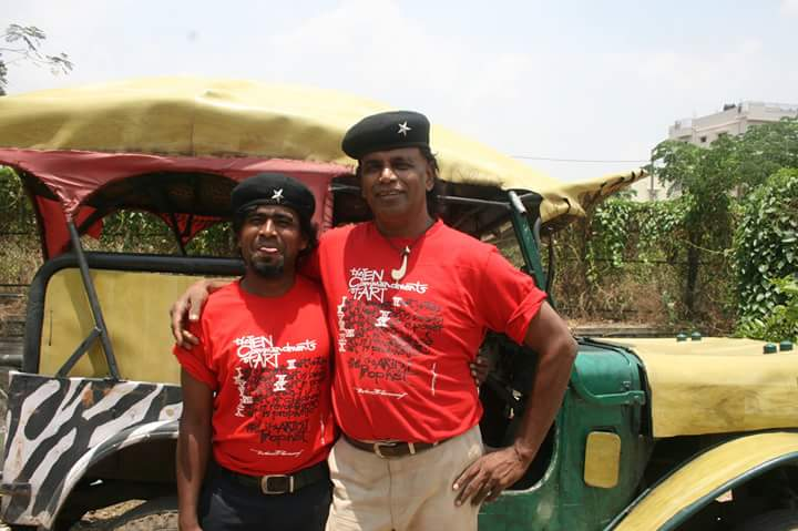 Robin Balu (left) with his guru John Devraj